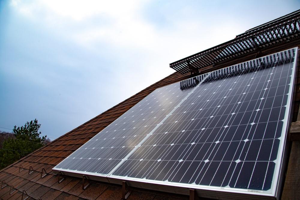 AUTOCONSUMO: Genera tu energía solar con placas solares y ahorra en tu factura de luz