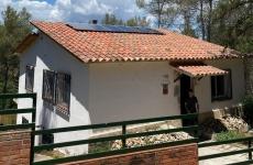 Reforma de vivienda 100% aislada con soporte de biomasa